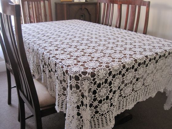 Beautiful vintage white cotton crochet lace tablecloth ebay for White cotton table cloth